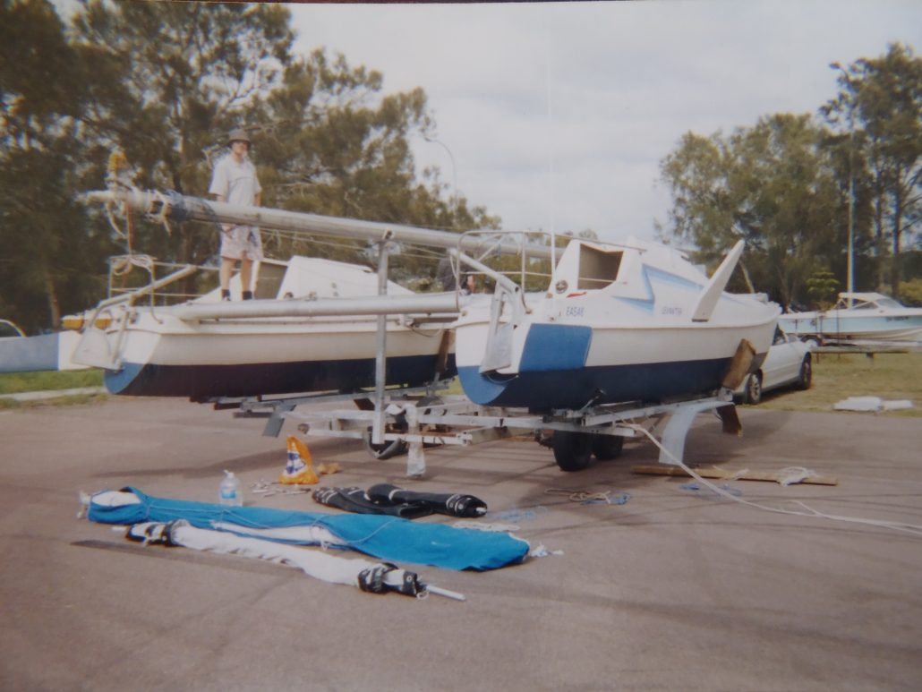 Assembling a Seawind 24 Catamaran Delivered by road from Queensland to NSW